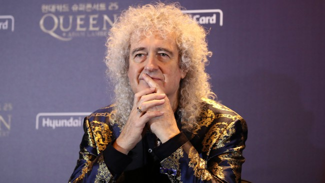 Китарист на Queen пусна собствена марка сутиени
