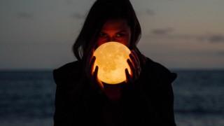 На първа среща разходка до Луната? О, да!