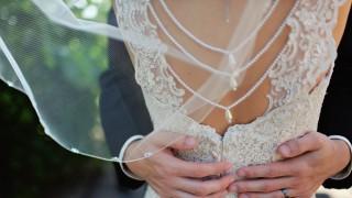 Младоженец е в шок, след като разбра, че невестата му е... мъж