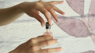 Как да свалите гел-лака в домашни условия