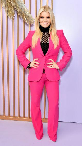 Отслабналата Джесика Симпсън изглежда като Барби