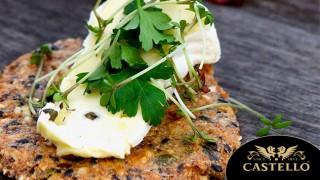 Неустоими домашни крекери със семена и селекция от сирена Castello