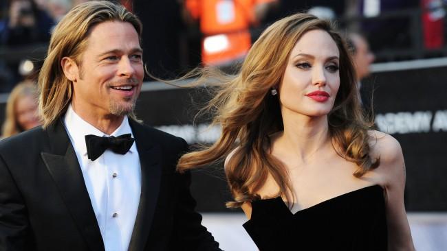 Анджелина Джоли съблазнила Брад Пит гола
