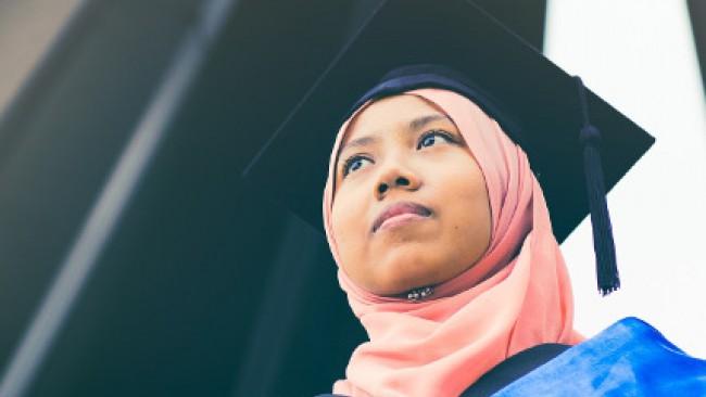 Властите в Малайзия наредиха: Жени, гримирайте се и не се заяждайте с мъжете си, докато трае карантината