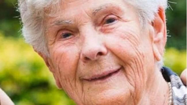 90-годишна се оказа от апаратно дишане, за да спаси живота на по-млада жена
