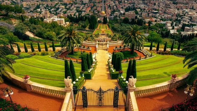 5 от най-красивите цветни градини по света