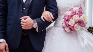 60-годишен младоженец поднесе шокираща изненада на своята 25-годишна жена