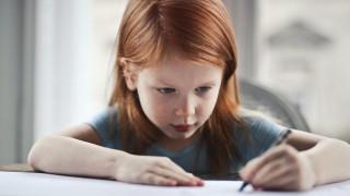 Ако имате дете левичар, сте щастлива майка: 5 качества, които го правят гени