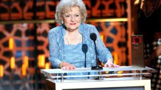 Невероятната Бети Уайт на 98: Поддържам се с водка и картофки