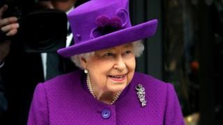 Ето какво казала кралица Елизабет, когато видяла Арчи онлайн