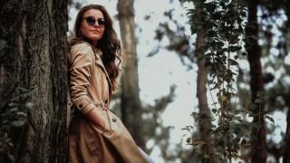 Силната жена не чака, продължава сама, докато срещне истинския