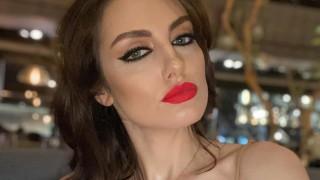 Мис България показа уникална фигура 6 месеца след като роди!