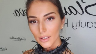 Алекс Петканова със секси кадри от Гърция