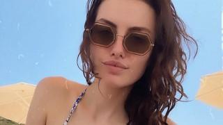 Марина Войкова показа божествено тяло от плажа 7 месеца след раждането