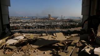 Глад, разрушения, трупове и порноактриси: Бейрут, какъвто никога не сте го виждали! (Снимки)