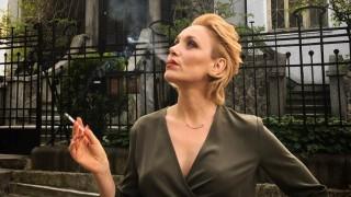 Койна Русева: Влудяващо секси на 50 пак нажежи страстите на морето (Видео)