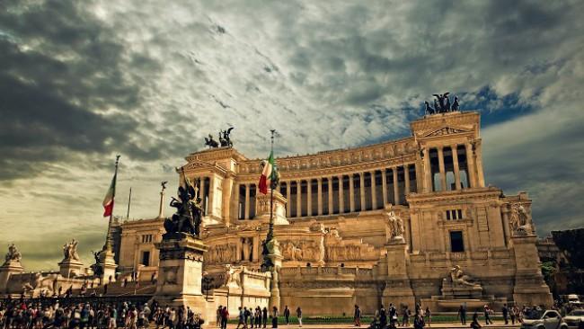 И една добра новина: Рим сваля карантината за идващите от България