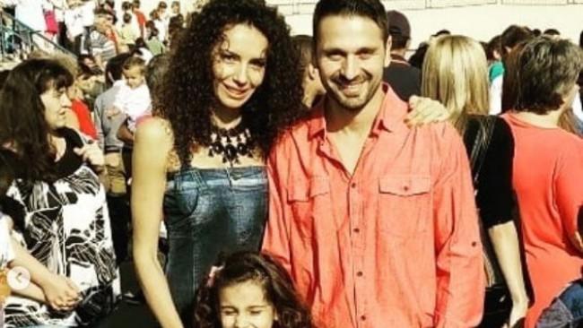 Дъщерята на Александър Сано тръгна сама на училище