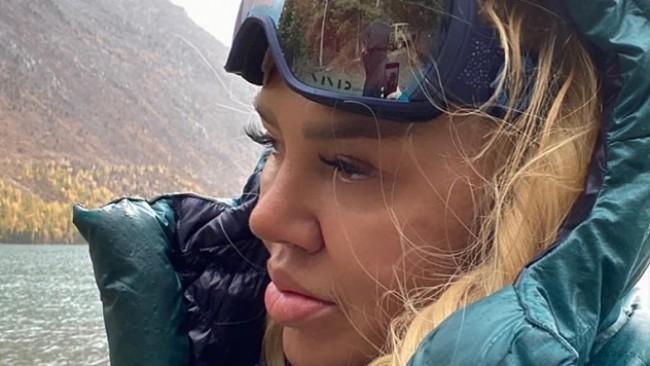 Ваня Червенкова с лична изповед от сибирската тайга: на път да покори най-високия връх