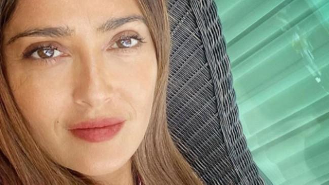 Харесва ли ви Салма Хайек рижа? (снимка)