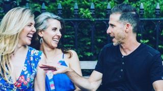 Идва ли краят на моногамията? Бизнесмен от САЩ заряза жена си, искал още една!