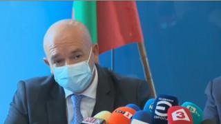 Ген. Мутафчийски: Хората, носещи маски, прекарват коронавируса по-леко