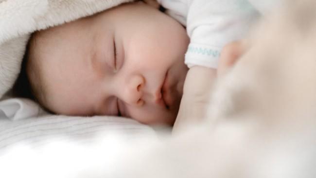 Роди се бебе гигант във Варна