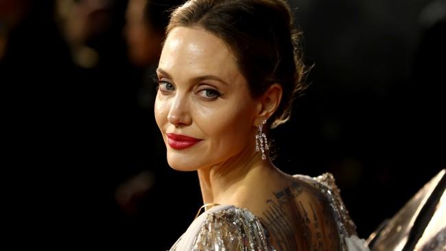Джоли ни подсеща: имате ли приятелка, която е жертва на домашно насилие? Ето какво да направите за нея!