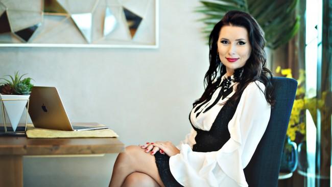 Наталия Кобилкина създава нов женски клуб и live рубрика в Woman.bg