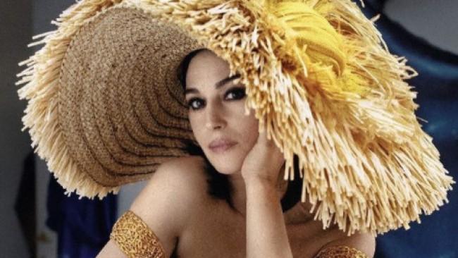 Провокативна и секси на 56: Моника Белучи изгря на корицата на списание Sorbet