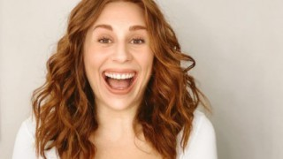 Да станеш за резил: Канадска влогърка показа истинските лица на Андреа и Моника Валериева (снимки и видео)