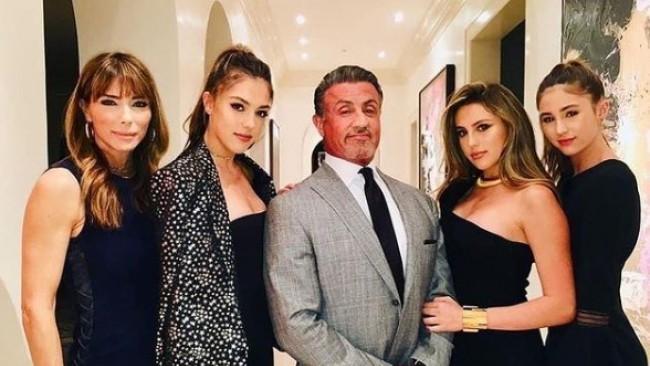 Дъщерите на Сталоун в прегръдките на един от най-красивите мъже в България