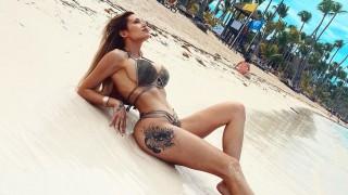 Джулиана Гани показа палаво дупе на плажа