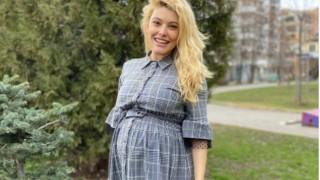 Ева Веселинова заченала инвитро, ще ражда близнаците по естествен път