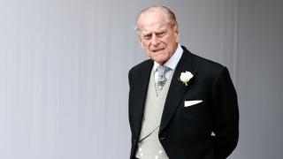 Британка изпрати принц Филип в последния му път... гола! (видео)