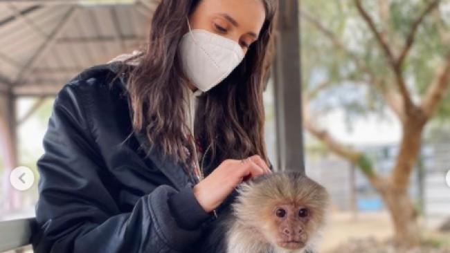 Нина Добрев просълзи феновете с умиляващи кадри от приют за животни (Снимки и Видео)