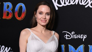 Едно момиче, което вече не вярва в любовта - Анджелина Джоли не иска никого след Брад Пит. Но защо?