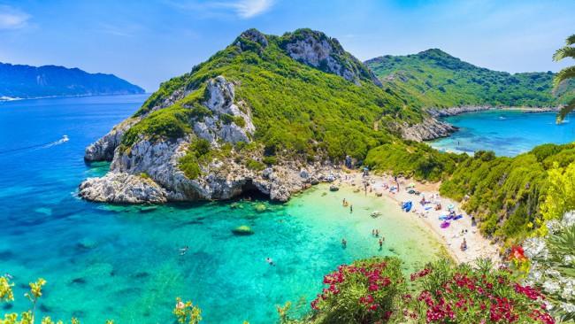5 тайни за изгодно пътуване до Корфу, които никой гид няма да сподели