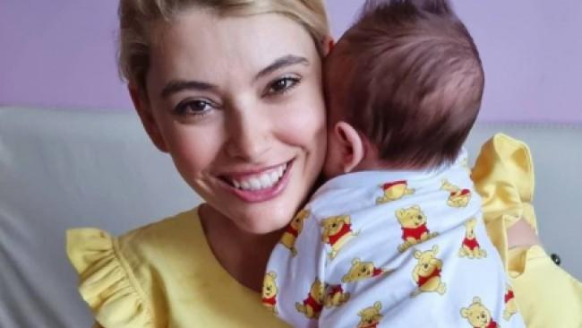 Най-после! Ева Веселинова показа близнаците (Снимки)