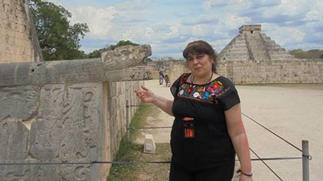 Тони Титянова до Мексико в Лято на пътешественика в РИМ Благоевград