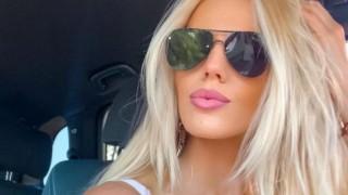Натали Трифонова вдигна градусите в мрежата със секси кадри от Миконос