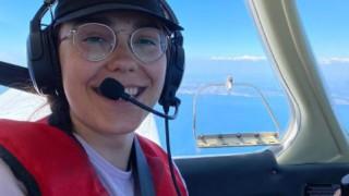 19-годишно момиче ще обиколи света със свръхлек самолет