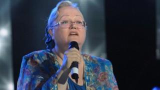 Еха! Внучето на Ваня Костова разплака публиката в Бургас (видео)