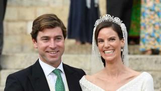 Принцесата на Лихтенщайн се омъжи в приказна рокля с 10-метров шлейф