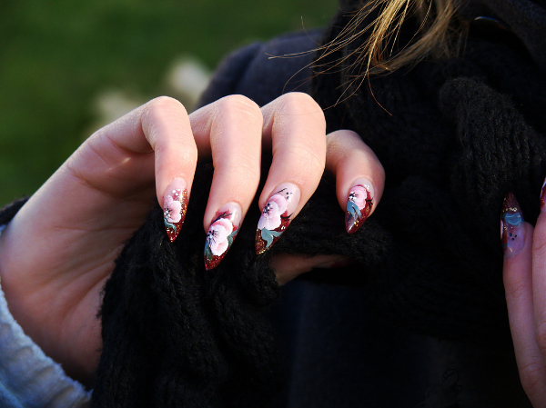 Fake Nails, False Witch Nails & Pres On Nails
