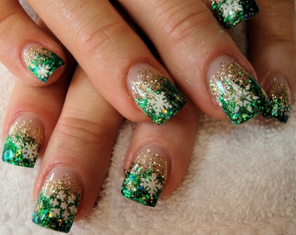 Green Nail Art winter manicure New Yearss manicure New year nail art nail art fo holidays holiday nail art French manicure for new Year decorated of nails
