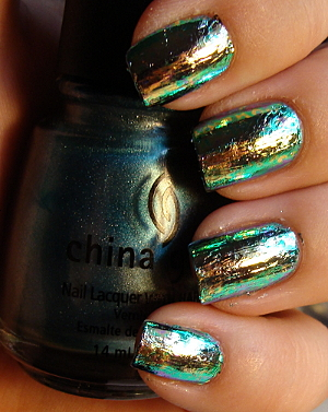 unique manicure shiny nails new trend nail art metallic luster manicure with metallic effect Luxury manicure