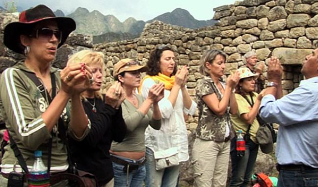 Вещи в занаята: Магия с листа от кока на върха на Мачу Пикчу