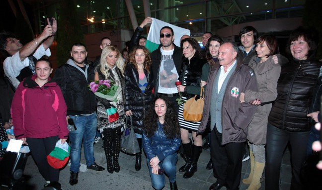 България посрещна Кубрат Пулев като световен шампион