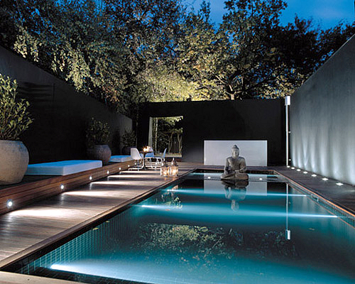House-with-great-architecture-and-design-and-with-swimming-pool-and-a-buddha-statue